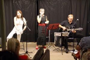 """Nicole Restle Marie Deutscher, André Kolin beim """"Tigerfest und andere freche Lieder"""" am 20.07.19 in der Musikbrennerei"""